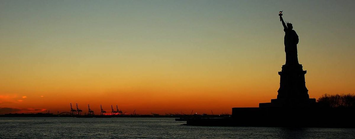 Statue_of_Liberty_at_sunset
